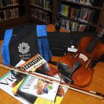 Violin Discover Kit image of content of kit